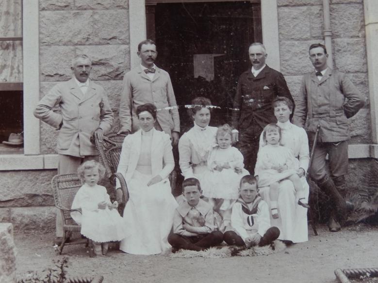 Family photograph, Brazier, Holmström, Tours
